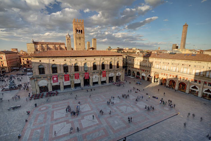 Itaca_17_Piazza_Maggiore_Luigi_Savino_rid