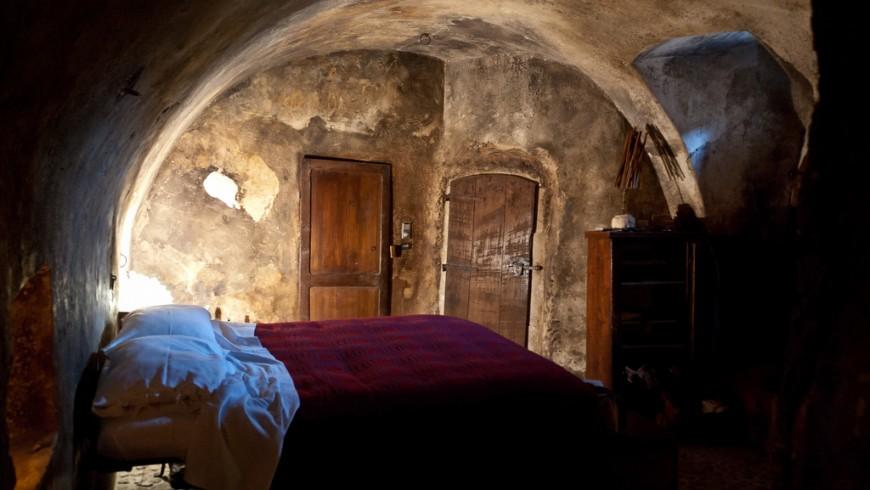 Dormire in una vecchia stalla, Albergo Diffuso a Santo Stefano di Sessanio, Abruzzo, foto di stijn, via Flickr