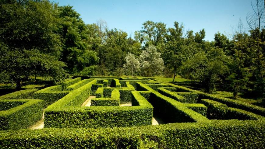 Il labirinto del Parco della Preistoria di Cremona, via parcodellapreistoria.it