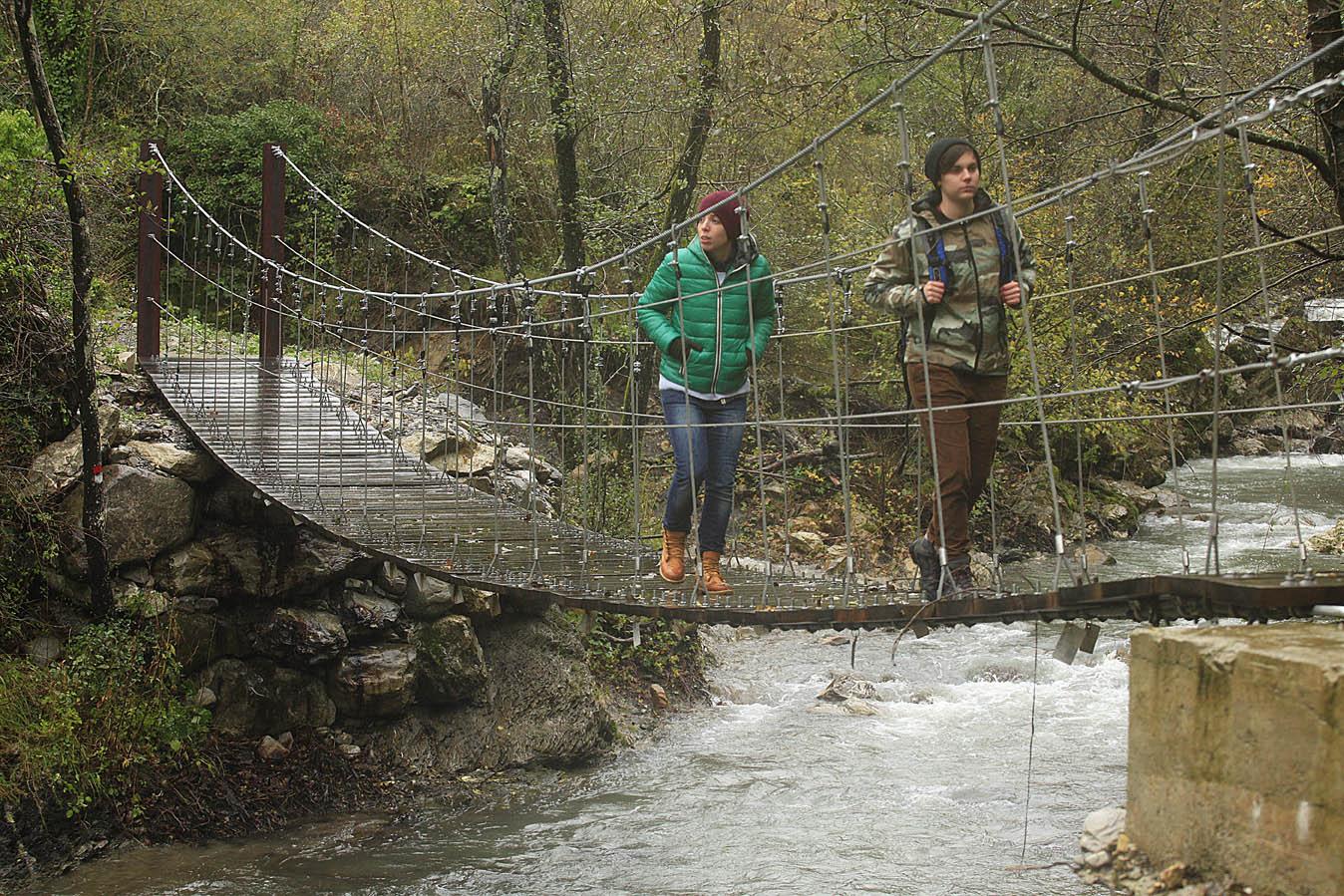 """Ponte """"tibetano"""" sulla via Francigena della lunigiana, foto di Enrico Caraciolo, all rights reserved"""