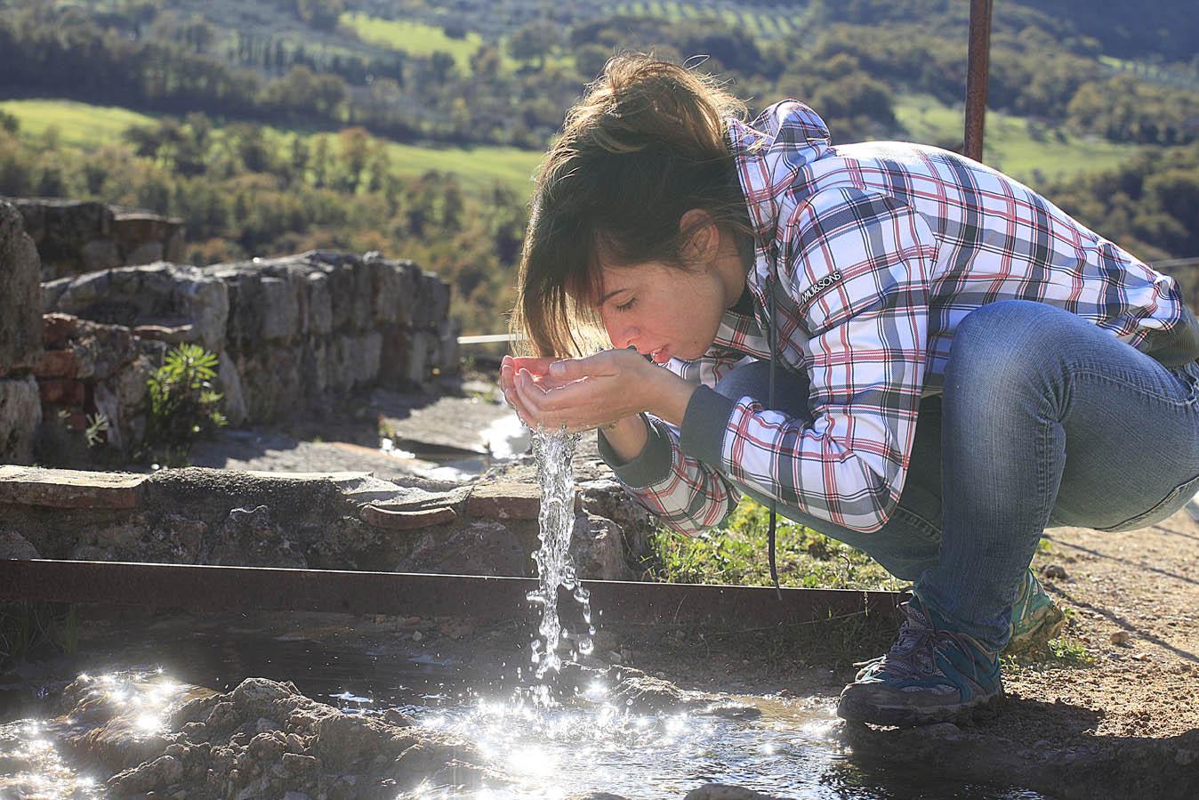 Bagno Vignoni, acqua termale, foto di Enrico Caracciolo, all rights reserved