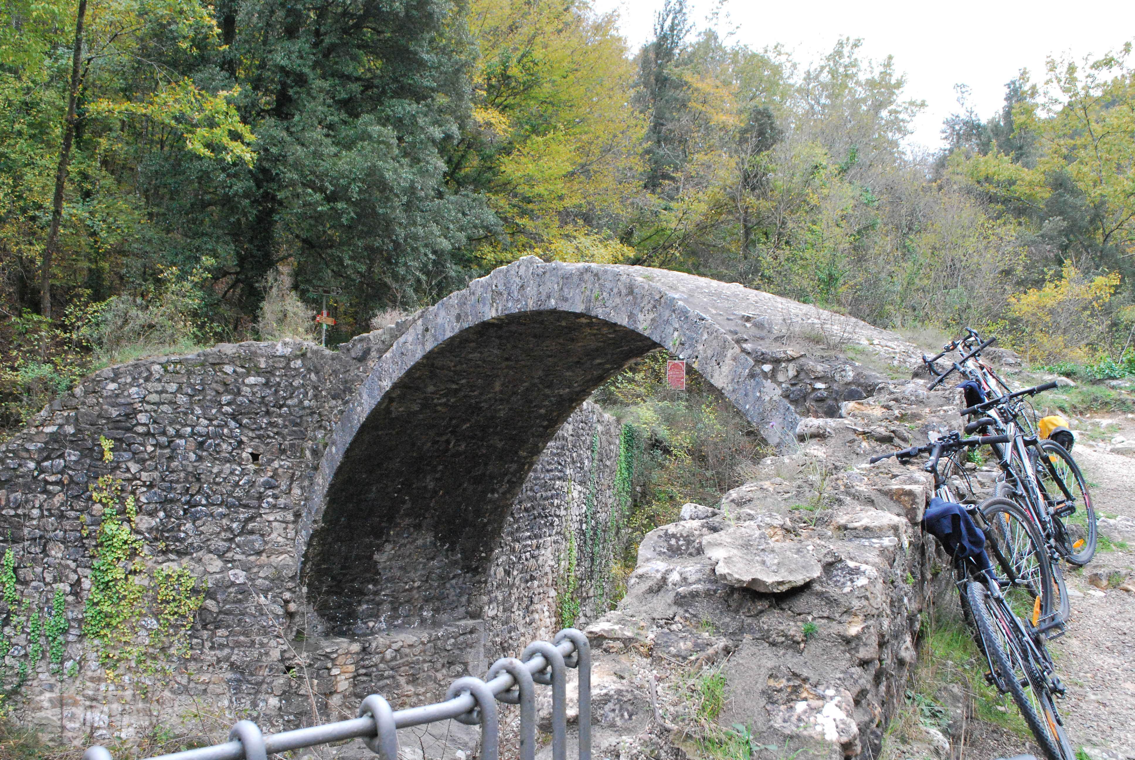 Il Ponte della Pia in bici, foto di Francesca Pelagatti