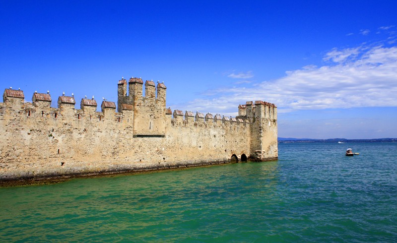 Castello di Sirmione, foto di Vly, via flickr