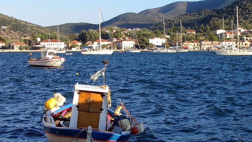 Itaca, Piccola imbarcazione a Vathi, Albe86