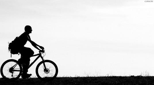 ciclista a Corscri Daje Tutti! [Cristiano Corsini]