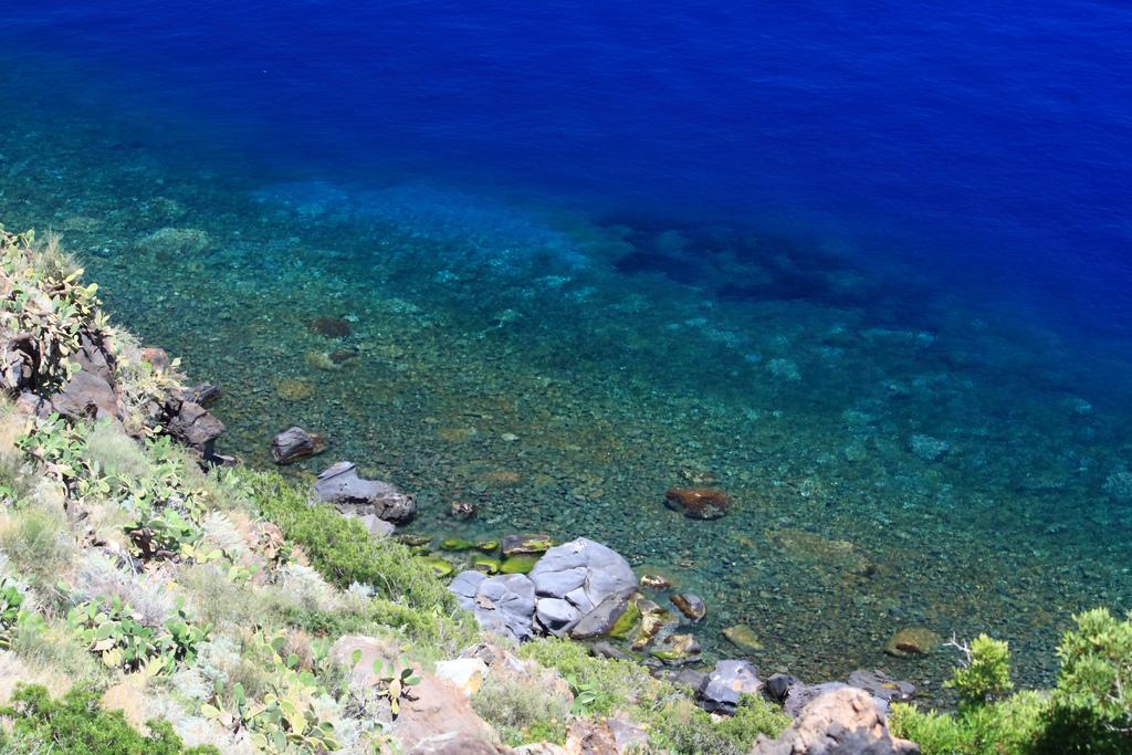 mare di Alicudi