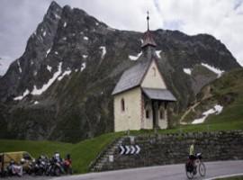 Bicicletta e tornanti di montagna