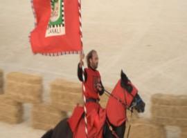 Uno dei cavalieri al Palio dei Normanni
