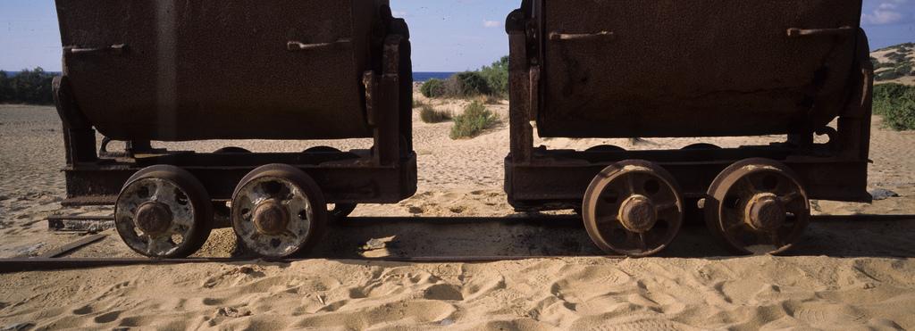 weekend di halloween in Sardegna, alla scoperta delle antiche miniere e delle dune di sabbia più alte d'Europa
