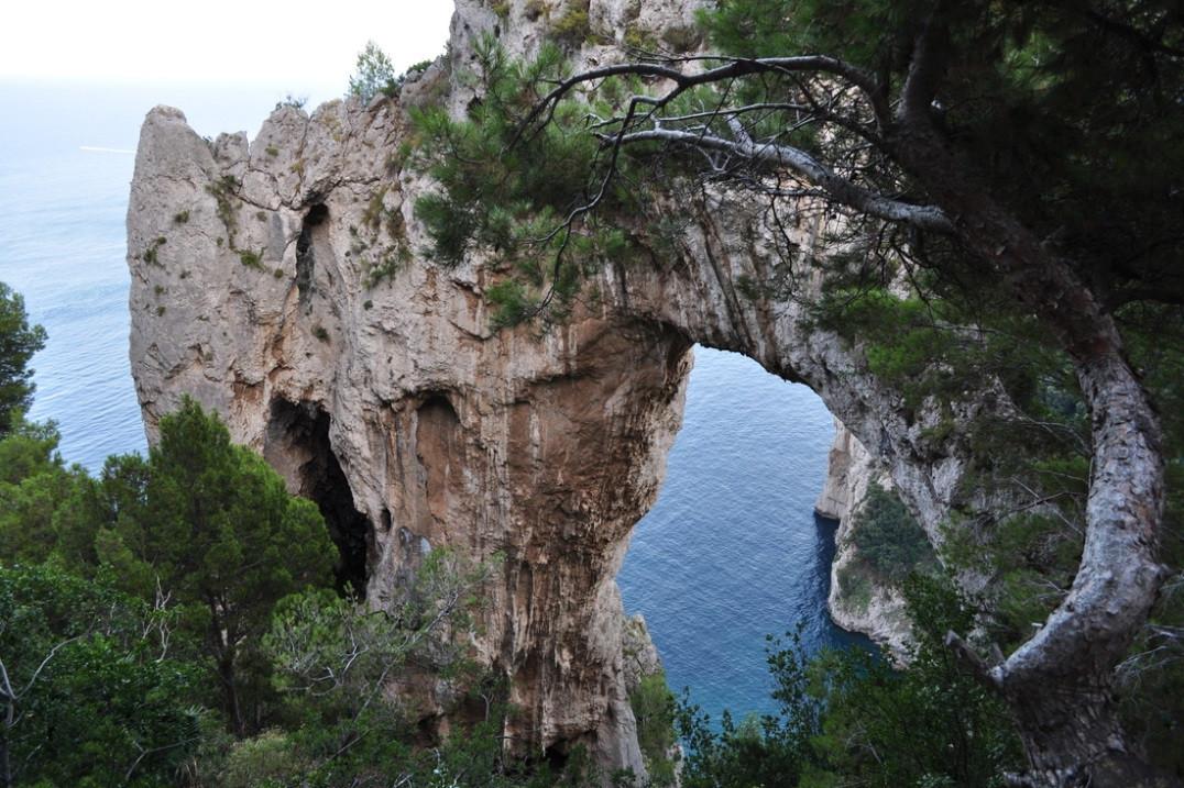 Arco naturale dell'isola di Capri