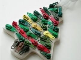 Riuso ed ecologia: decorazioni natalizie con zip colorate