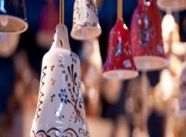 Campane decorate in ceramica