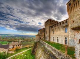 Castello di Torrechiara, una romantica fortezza da visitare, a pochi chilometri dalla Corte di Woodly