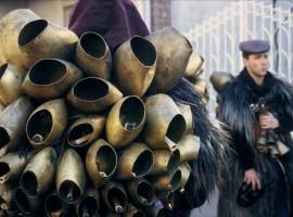 campane nel carnevale di marmoiada, sardegna