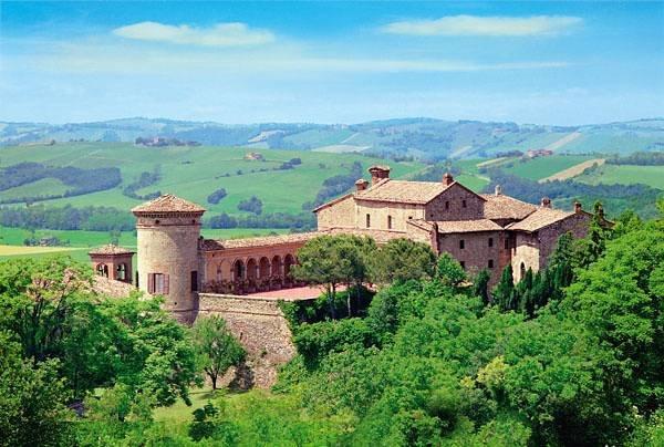 Castello di Scipione, lungo il percorso della ciclovia dello Stirone, Salsomaggiore Terme, Parma