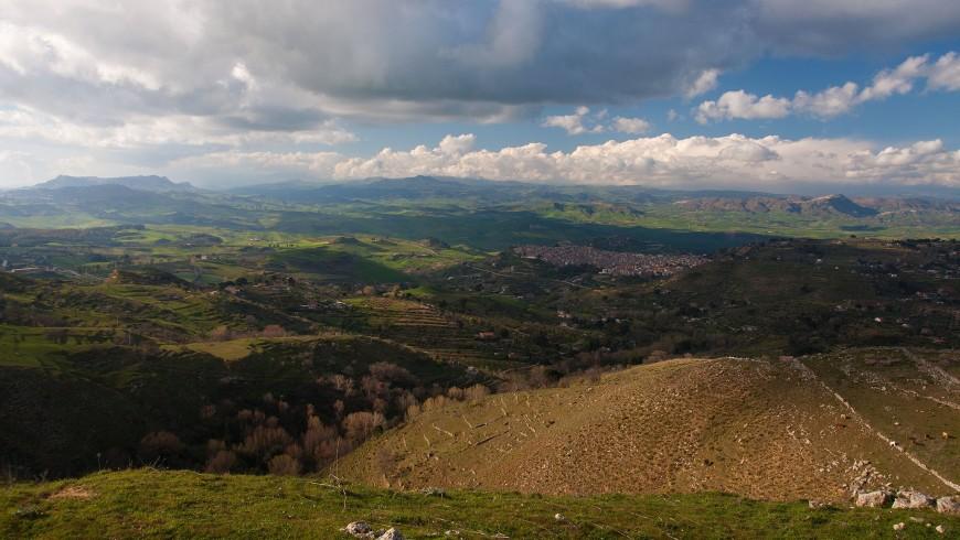 Dalle cime di Rossomanno, a 360° sull'entroterra siciliano e oltre