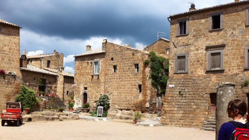 Civita di Bagnoregio,  il cuore antico e tranquillo del borgo, ai confini tra Lazio e Umbria