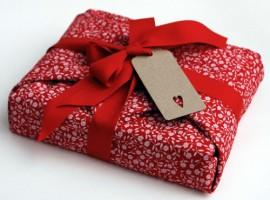 pacco regalo di stoffa