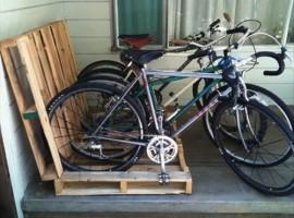 Supporto per bici in pallet
