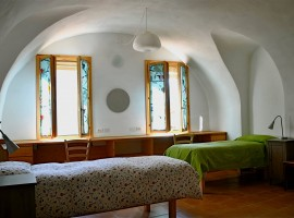 camera nell'antico borgo di Torri Superiori