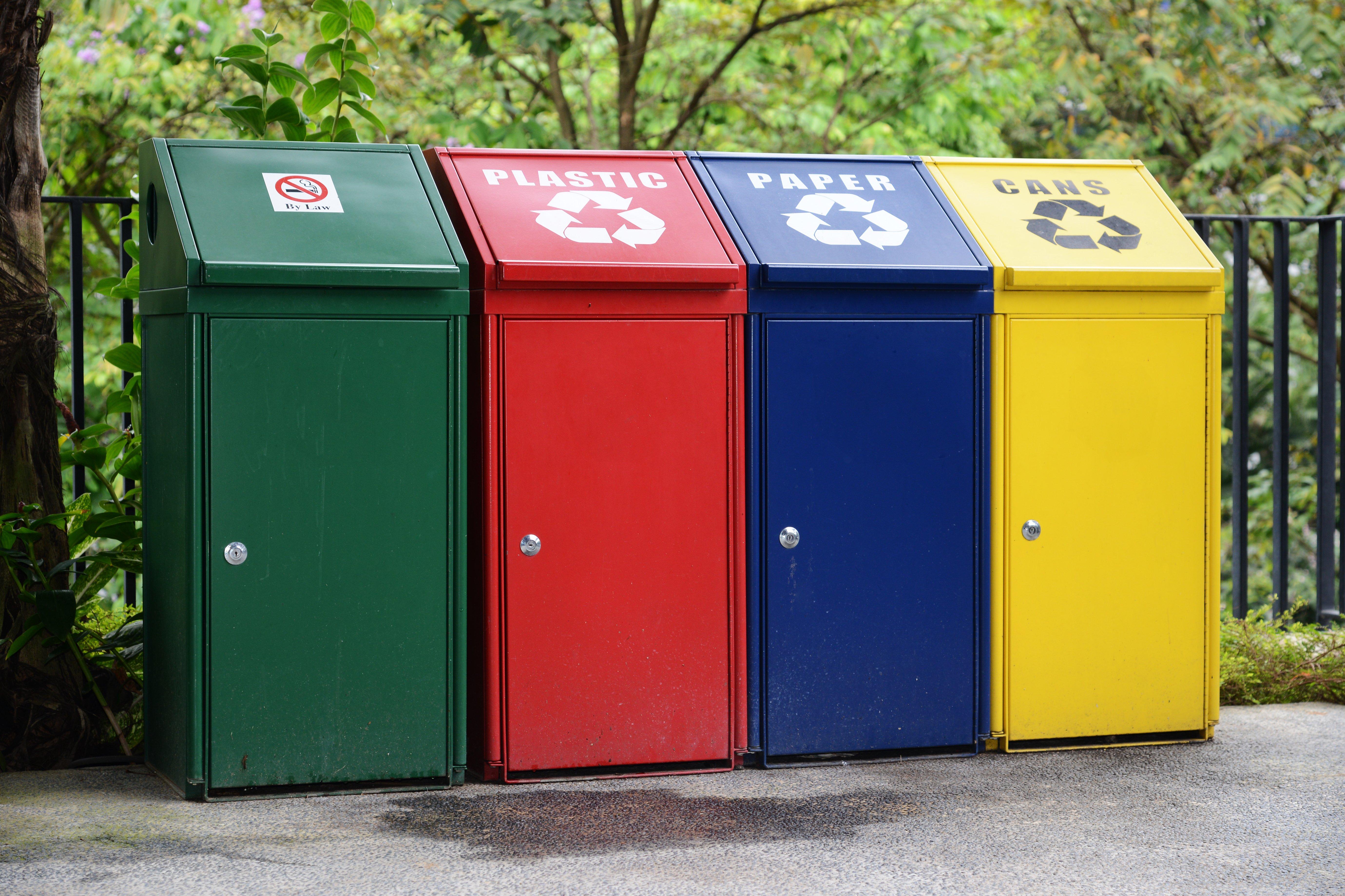 contenitori per la raccolta differenziata: riduzione dei rifiuti in vacanza