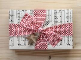 pacco regalo con spartiti