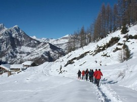 Passeggiando con le ciaspole nei dintorni di Sagna Rotonda