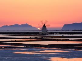 Le saline di Trapani al tramonto
