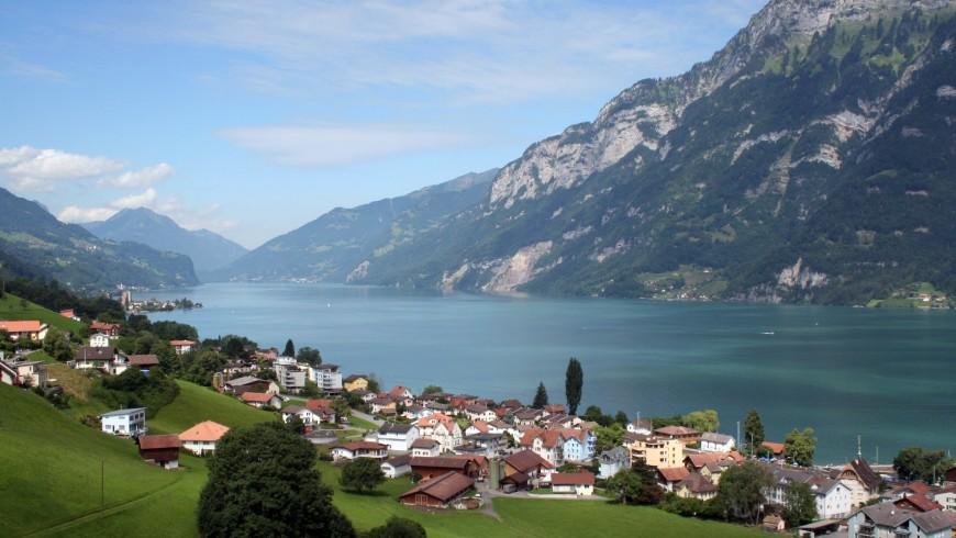 Lungo il Lago di Walenstadt, itinerario in bici in Svizzera