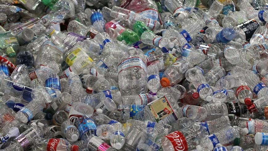 San Francisco vieta le bottiglie di plastica