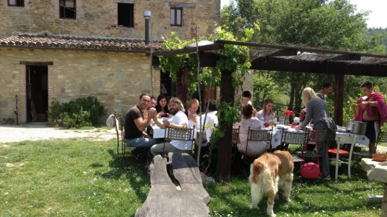 Tribewanted Monestevole, vacanza in fattoria in Umbria