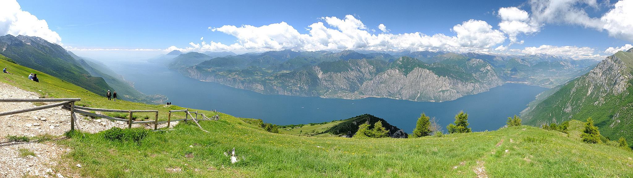 Vacanze a Cavallo: Lago di Garda visto dal Monte Baldo