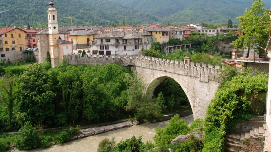 Il Ponte Vecchio di Dronero in Valle Maira