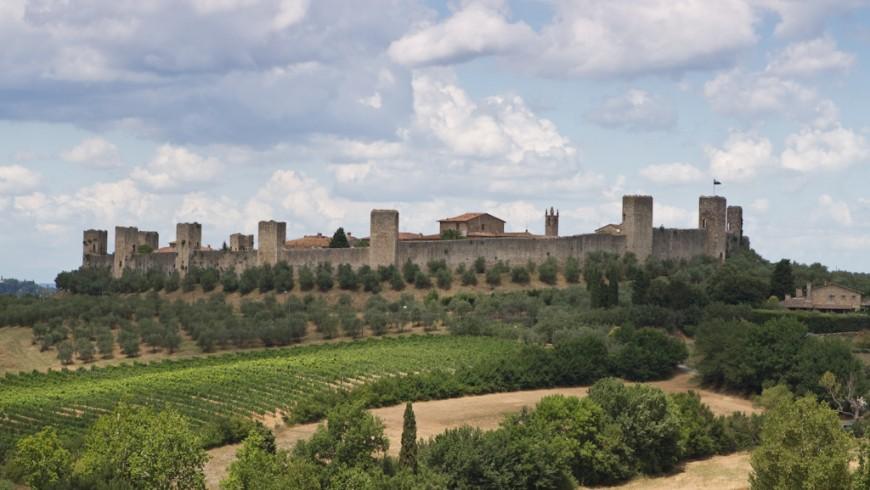 Monteriggioni, la città fortificata tra le colline sensi