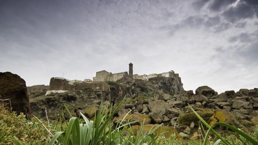 Castel Sardo, foto di the very honest man, via flickr