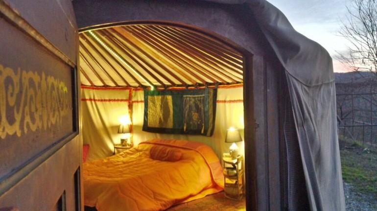Notte in una Yurta, con vista su Torino, per la festa della mamma