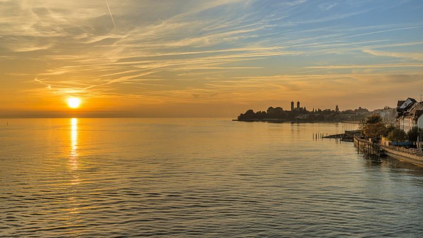 Lago di Costanza, uno dei laghi più belli d'Europa, unisce Germania, Svizzera e Austria