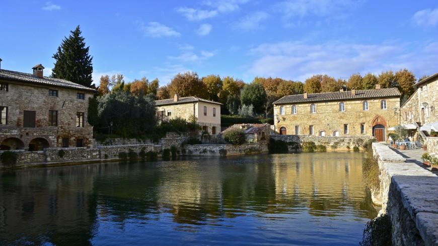 terme libere di Bagno Vignoni in Toscana