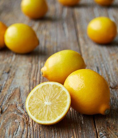 Detersivo-al-profumo-di-limone-per-lavastoviglie_su_vertical_dyn
