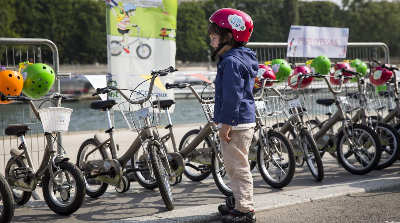 Baby Bike sharing in Paris