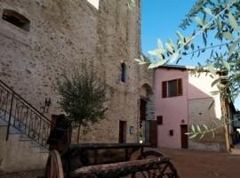 Torre della Botonta, una vacanza da sogna che sembra un viaggio nel tempo