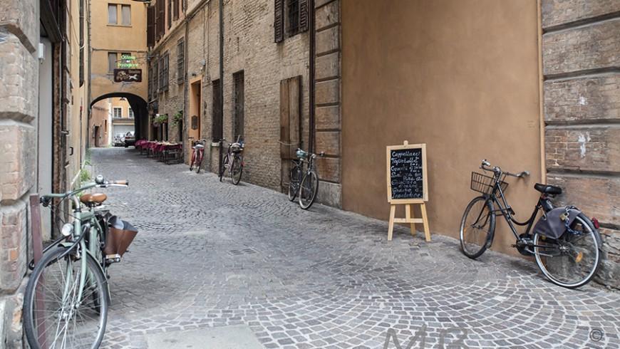 Scopri Ferrara in bici
