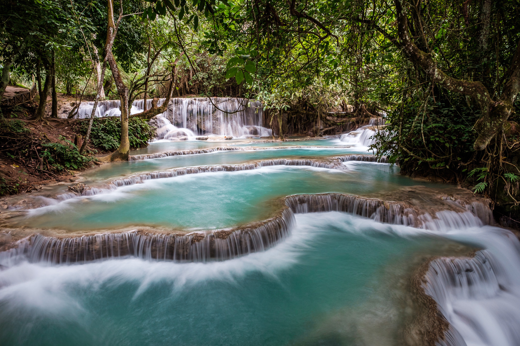 Cascate Kuang Si Falls, a a 30 km da Luang Prabang, in Laos