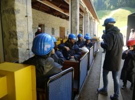 A bordo del trenino per entrare nella Miniera di Predoi