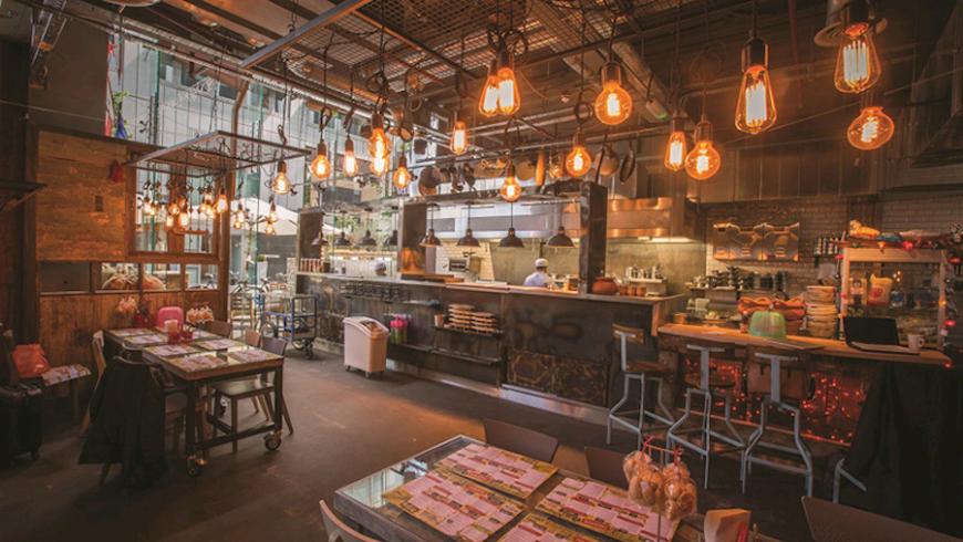 Sempre più bar e ristornati utilizzano lampade LED per abbattere i costi e usare meno sull'ambiente