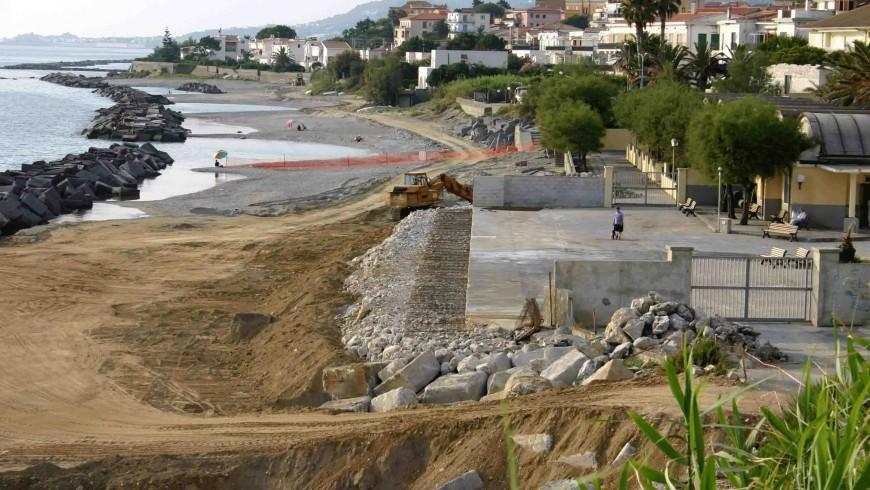 Il cemento sta distruggendo le nostre coste