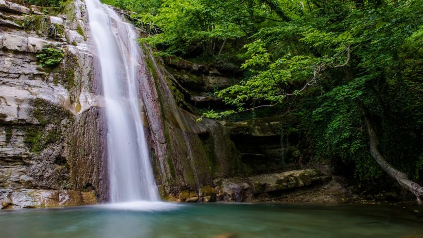 Cascata dell'Acquacheta, per un bagno rinfrescante in Emilia Romagna