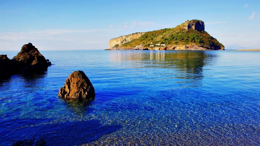 L'Isola di Dino, la maggiore della Calabria