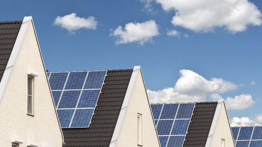 Tetti con pannelli fotovoltaici, per fonti rinnovabili di energia