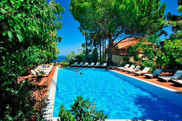 Gli Alberi del Paradiso, Relais Le Betulle, Hotel eco-sostenibile e di lusso in Sicilia